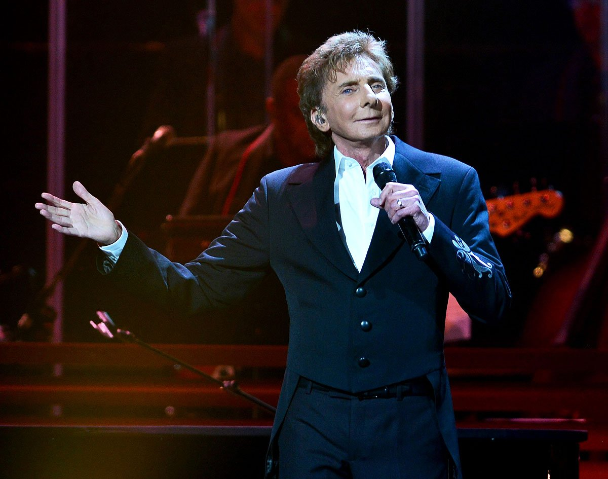 Barry Manilow rushed to hospital due to oral surgery complications, cancels two shows