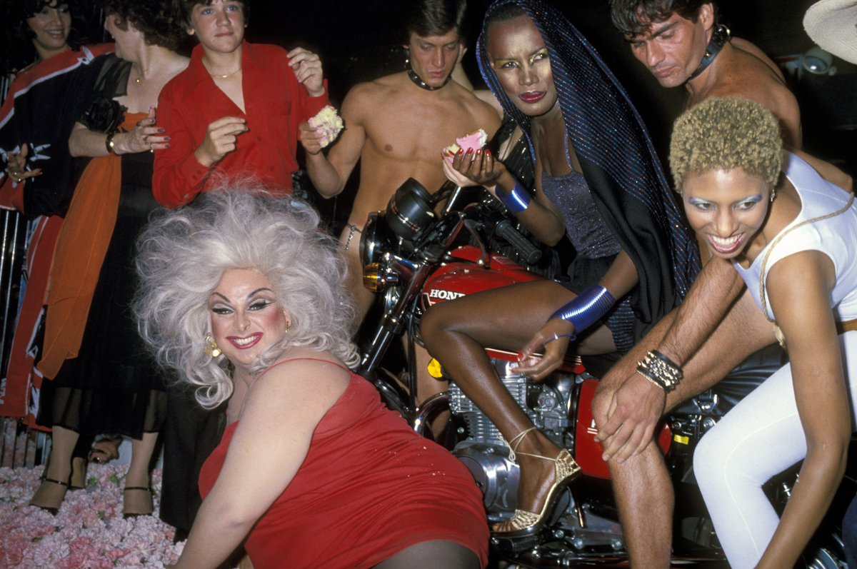 RT @mashable: 1978: Grace Jones celebrated her birthday with a motorcycle, a drag queen & Andy Warhol. https://t.co/A7ESa6HrjT https://t.co…