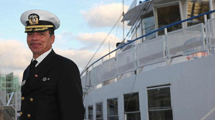 Chicago shipmaster recognized for recruiting dozens of at-risk youth