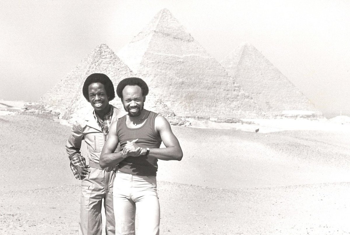 The photo of Maurice White walking in Egypt is getting passed around but I also liked this one with brother Verdine. https://t.co/67tQHgYMVY