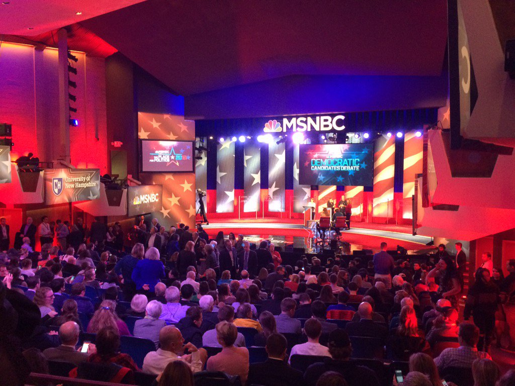 Not as big a space as other debates- more intimate setting. #MSNBCdebate in one hour!