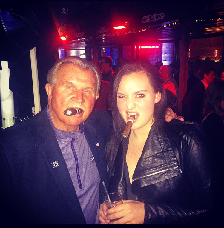 This is a picture of me and Mike Ditka smoking cigars together https://t.co/akgt2eIHED