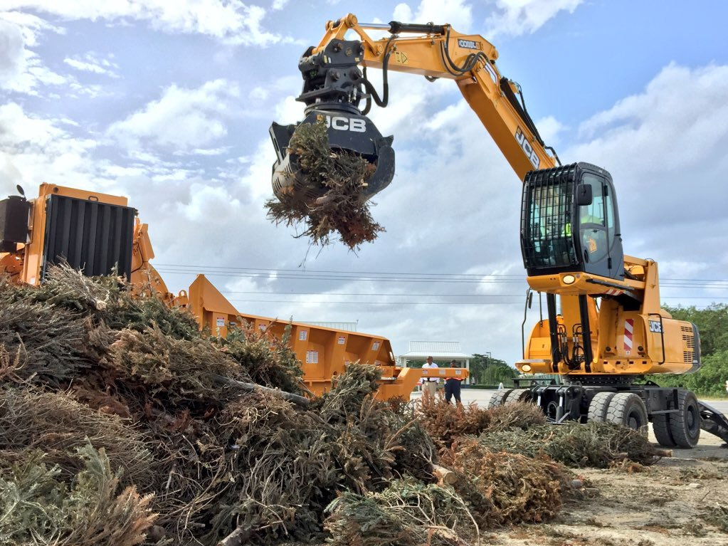 Sold to Cayman Islands Government, this JS200W is being used to recycle old Christmas trees at the moment! https://t.co/2tmK9ratul