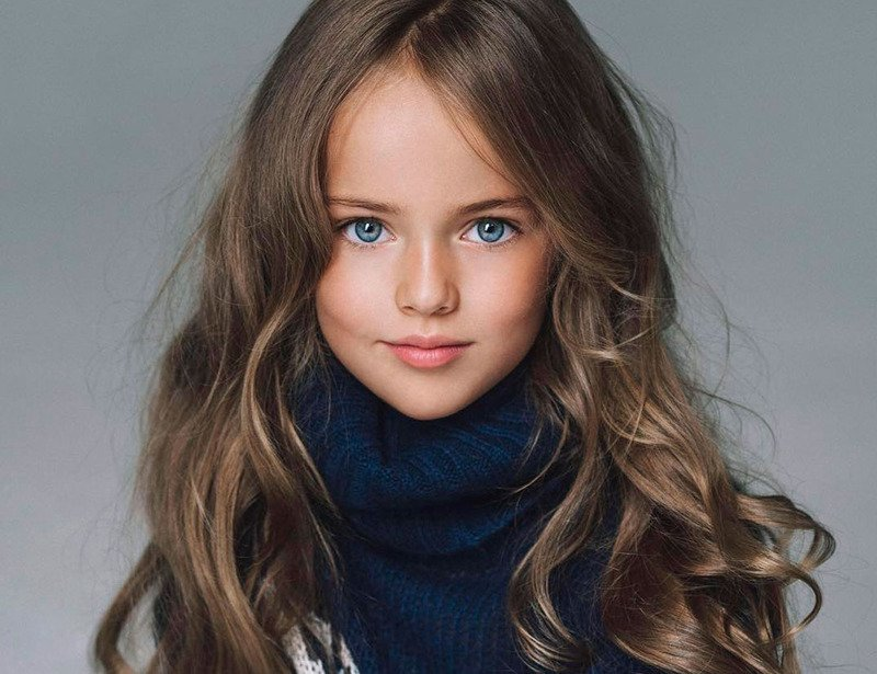 """Bambina Top Model a 10 anni: Kristina Pimenova """"la ragazza più bella del mondo"""""""