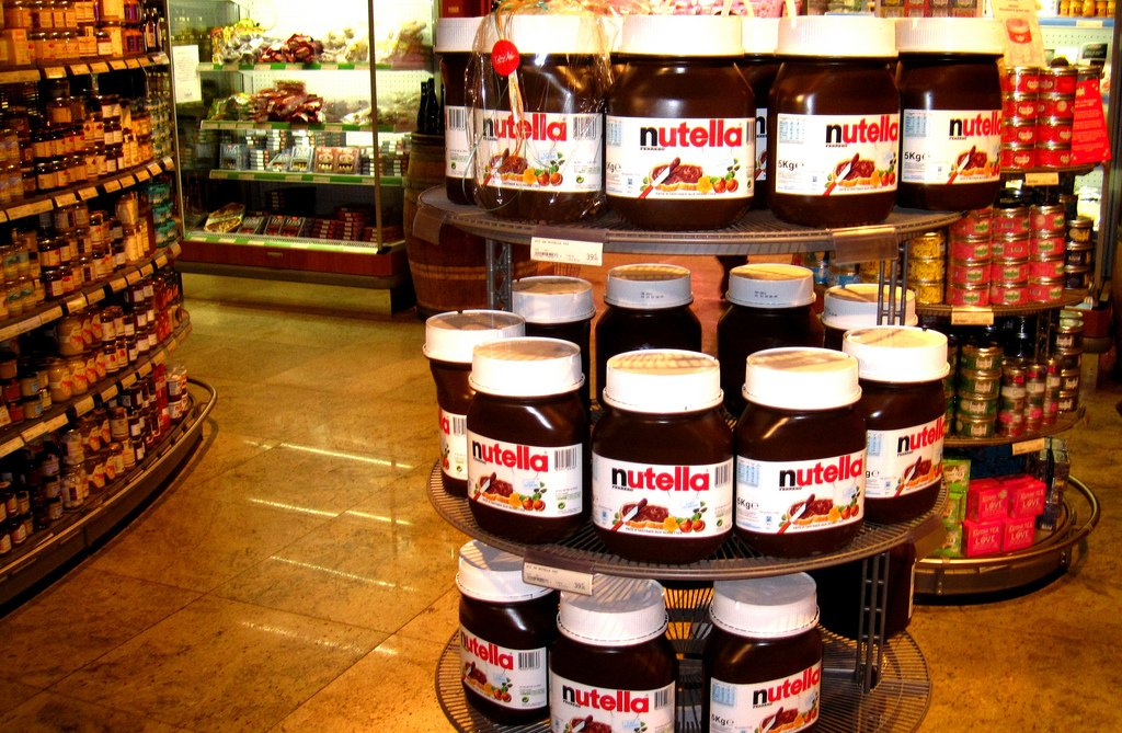 Nutella uses 25% of the world's hazelnut production every year.  https://t.co/qQBSgGpzw7