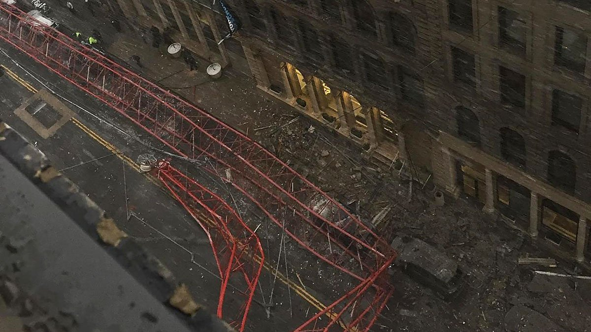 #BREAKING UPDATE: At least 2 hurt in major crane collapse in lower Manhattan, FDNY says https://t.co/Eo4cNwxoPe https://t.co/YdRaG1yQIa