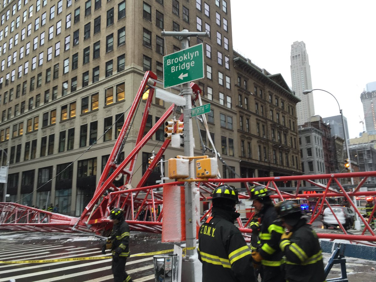 #FDNY on scene of crane collapse at Worth St & W Bdwy in #Tribeca. 1 fatality confirmed, 2 patients serious https://t.co/PwGWYcfVkX