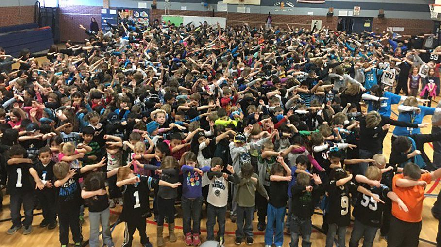 At 5:55: Elementary students try to break world record in 'dabbing' photo