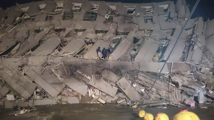 Magnitude 6.4 earthquake strikes southern Taiwan; at least 2 buildings collapse