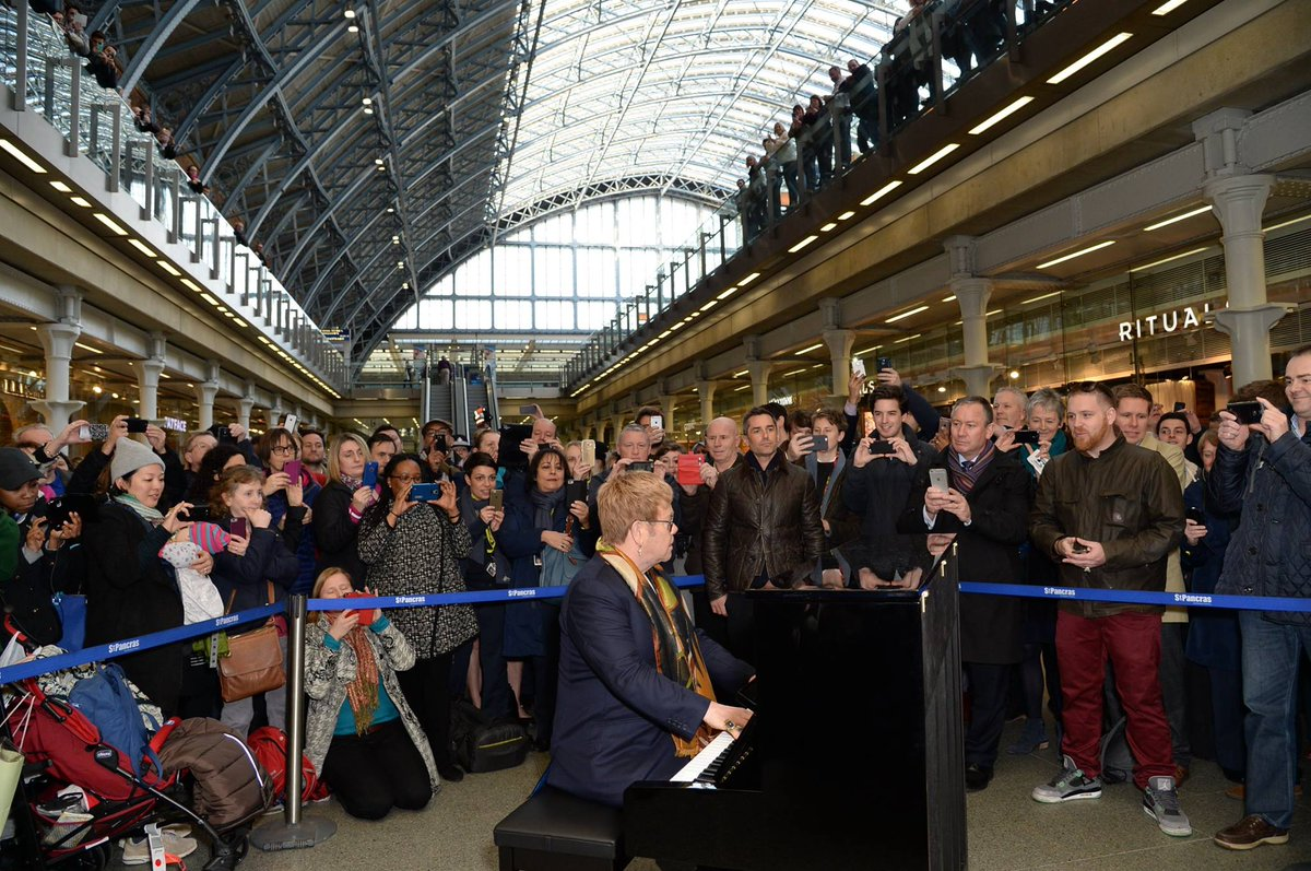 CaeMGS8WEAABazr - St Pancras at 150 #2