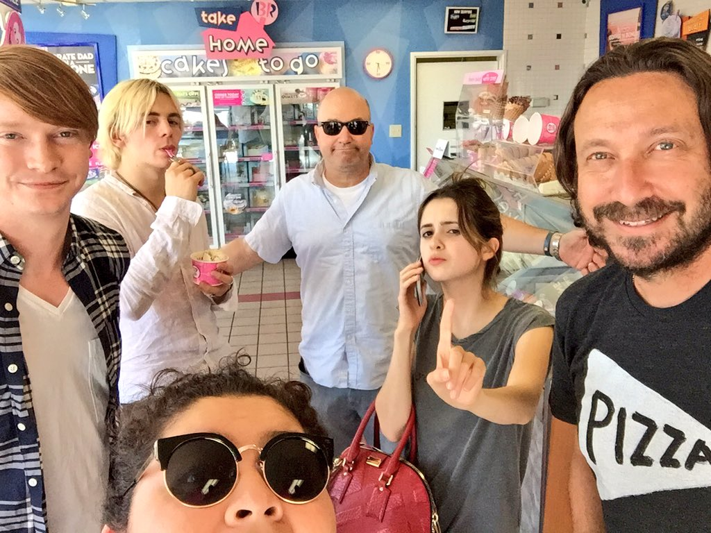Vote for these dorks because we love ice cream and you. (Although Heath likes pizza too) #VoteAustinandAlly #KCA https://t.co/PsTOllpen7