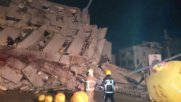Terremoto Oggi Taiwan FOTO VIDEO: forte scossa M6.5 con danni e 23 vittime, no Allarme Tsunami