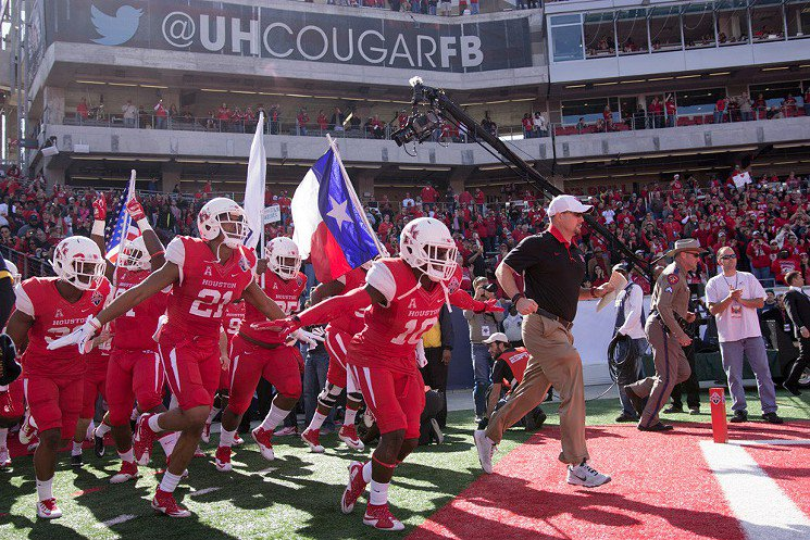 University of Houston Signs Killer Recruiting Class, Dominates Social Media