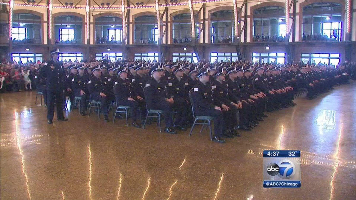 Chicago police graduation at Navy Pier: @pathieuabc7