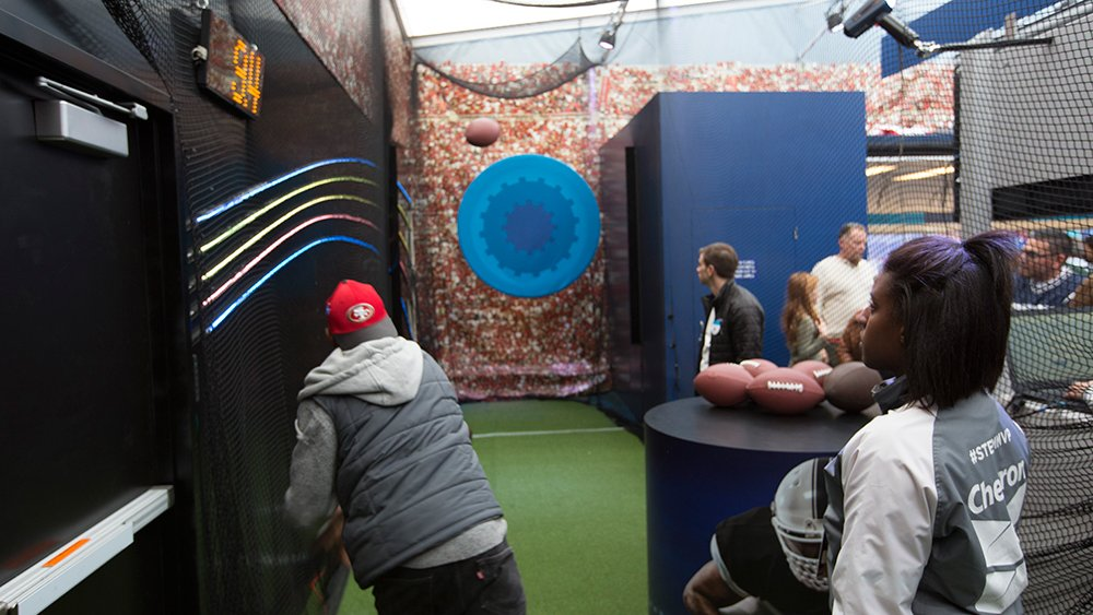 #STEM of the day: the science of football, hands on at @ChevronSTEMZone in #SBCity. #client #experiential #SB50 https://t.co/ECBRmnOrQ0