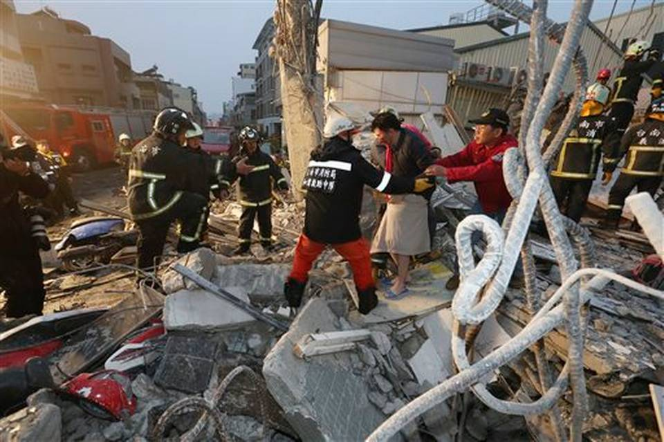 UPDATED with photos: Strong quake hits Taiwan; 160 pulled alive, many trapped https://t.co/YTX7x19tgj https://t.co/tMJ8ognHWn