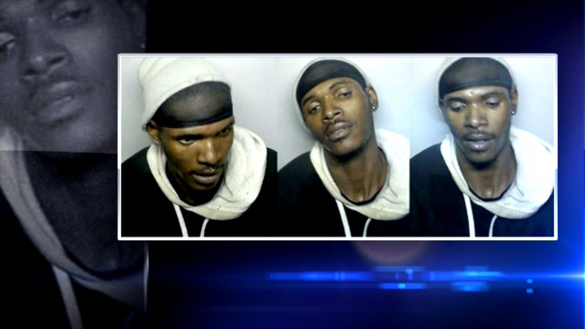 Say cheese! Photo booth snaps pics of alleged thief