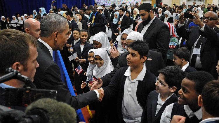 Bush and Obama both visited mosque in office. Guess which one got slammed? via @cptime