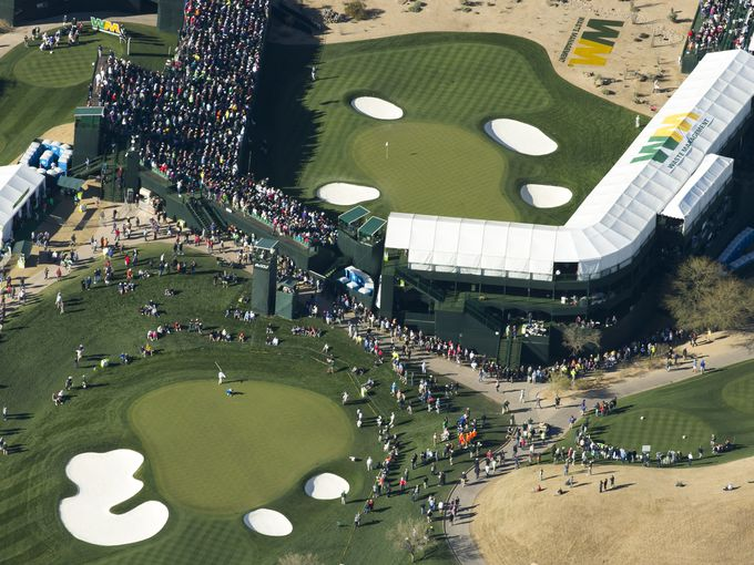 Best seats at Phoenix Open are in this Snoopy Two blimp