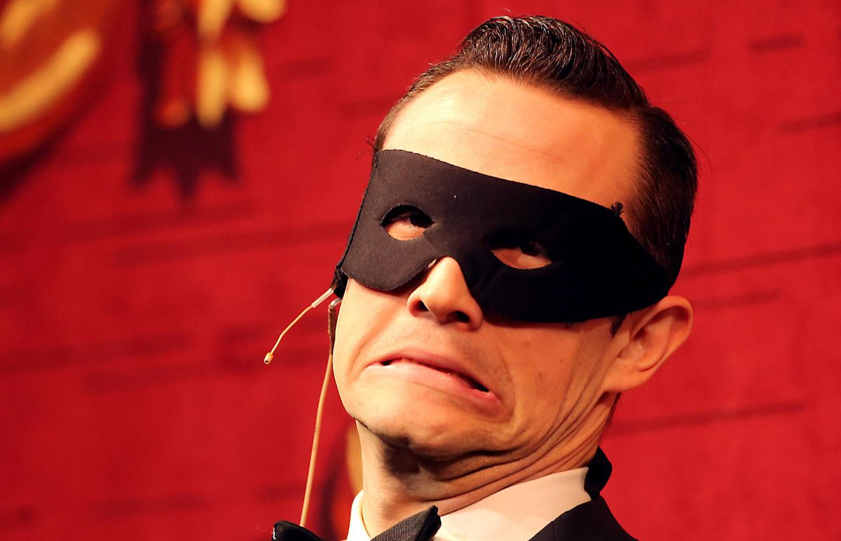 Joseph Gordon-Levitt spent Friday night getting roasted by the Hasty Pudding Theatricals