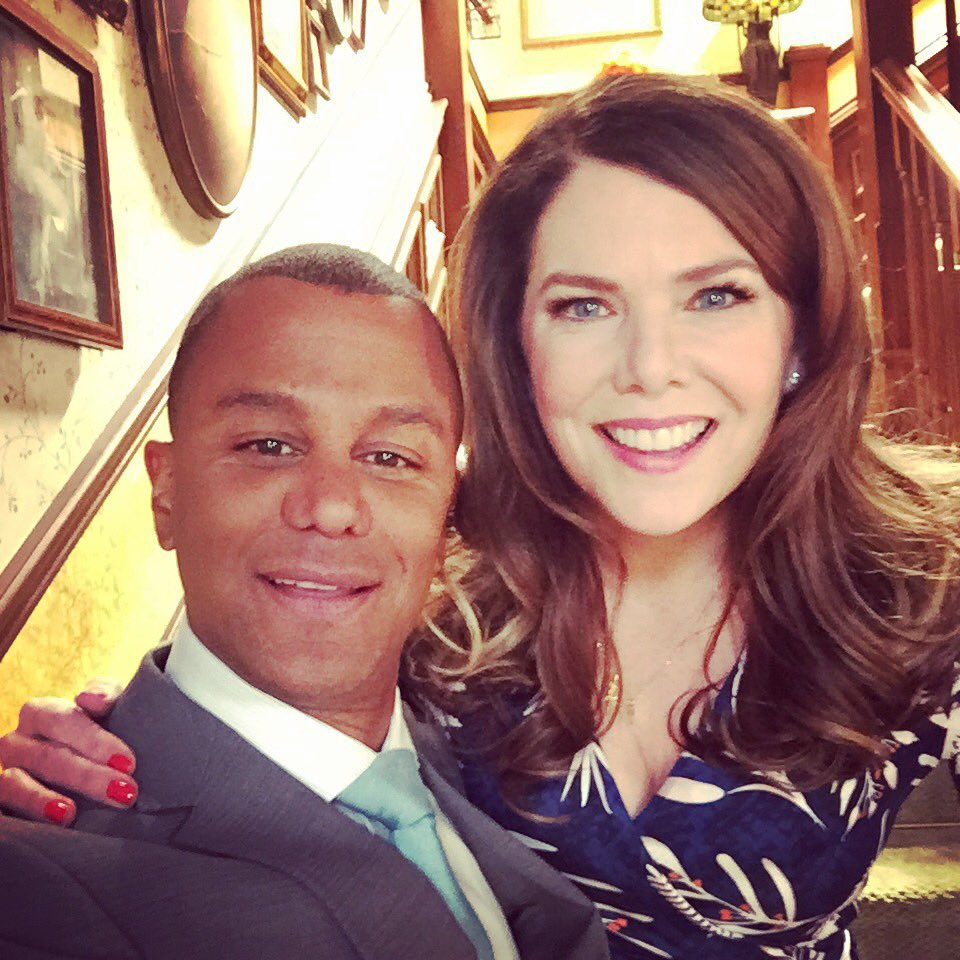 The First Photo From The 'Gilmore Girls' Revival Will Burst Your Heart