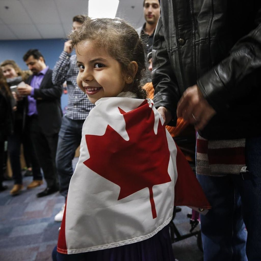 WearRedDay Reemas Al Abdullah, 5, wrapped herself in a Canadian flag prior to a dinner ho…