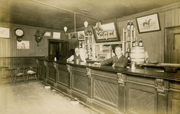 This is what bars used to look like in Toronto