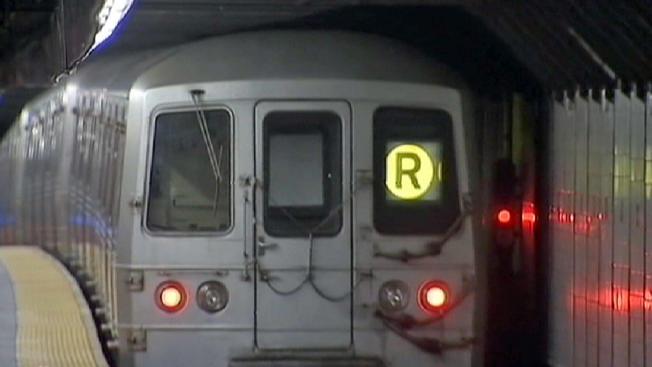 Pranksters hijack subway loudspeaker, claim to be ISIS: sources