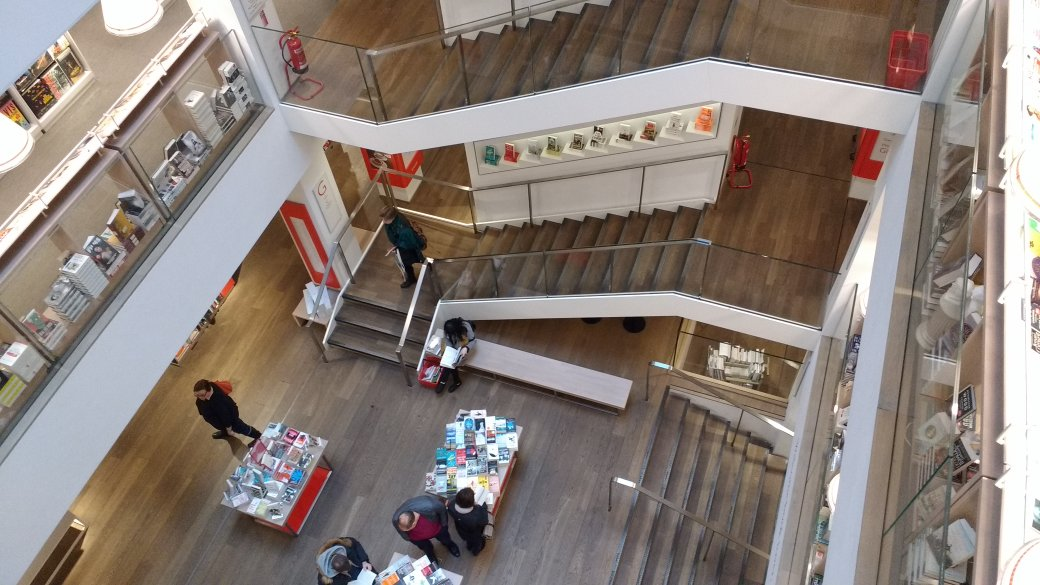 Smell the books #londonbookshopcrawl Stop one - @Foyles https://t.co/qfhGnPuEOH