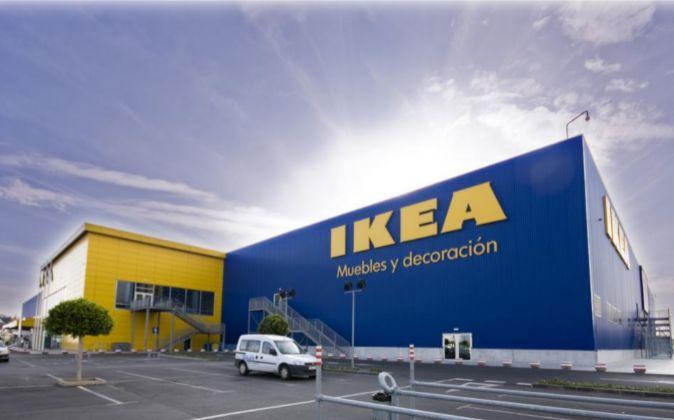 Ritiro prodotti IKEA: Lampade da soffitto LOK e plafoniere HYBY e RINNA, rischiano di cadere
