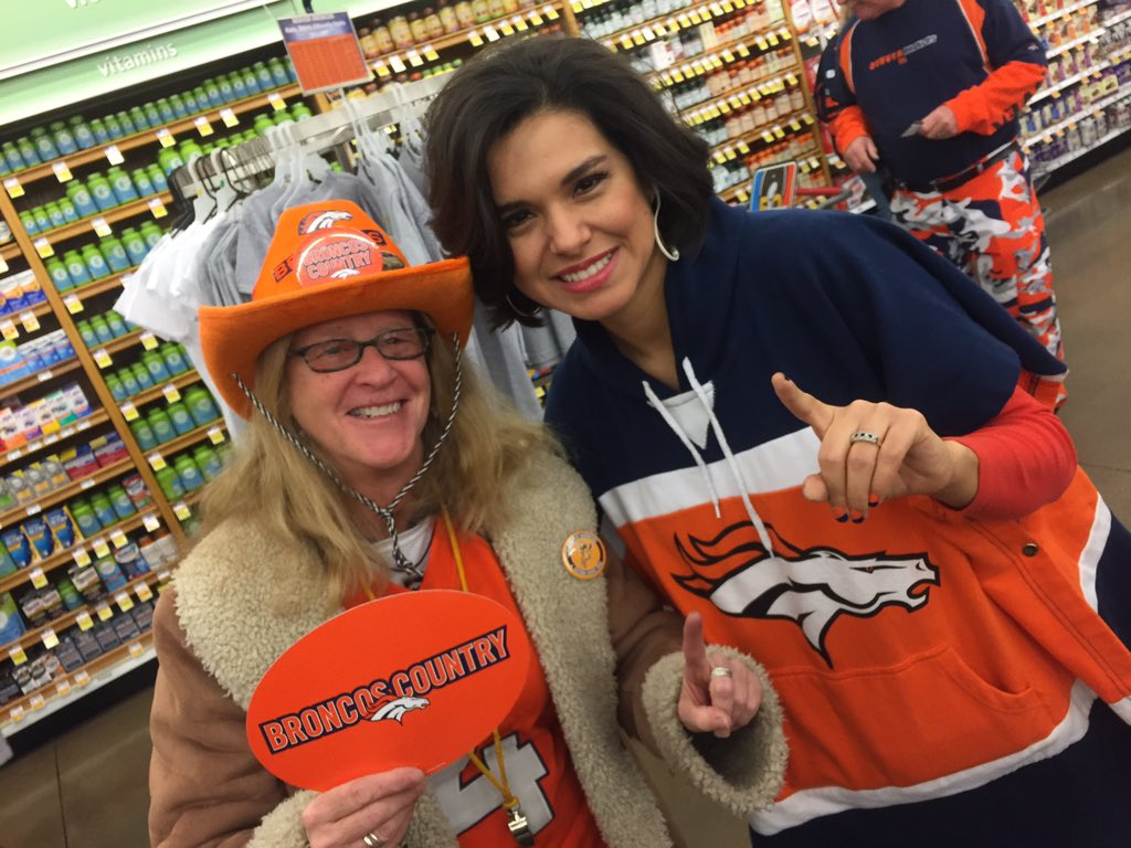 The fans are coming out of the woodwork. Gotta love BroncosCountry @Belen_DeLeon 9News