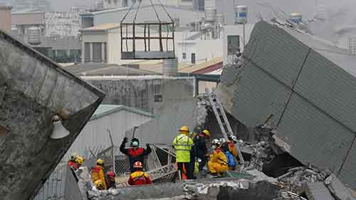100 missing, 14 dead after 6.4 quake rattles Taiwan