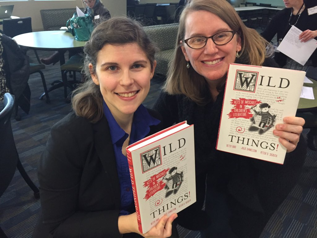 I'm giving away a signed copy of @FuseEight and @SevenImp's WILD THINGS. RT by 3:30 CT to enter. #cttcb16 https://t.co/g2Je3cHxga