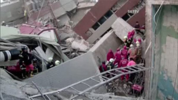 Over 100 missing, 14 dead as strong quake rattles Taiwan-