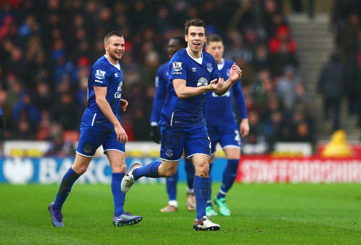 Coleman do Everton homenageando sua fiilha