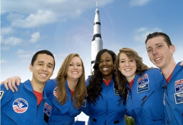 "Um, relocate to Huntsville! ""@SpaceCampUSA: Complete this: Space Camp Inspired me to: ______________ https://t.co/pSAJeCsNVX"""