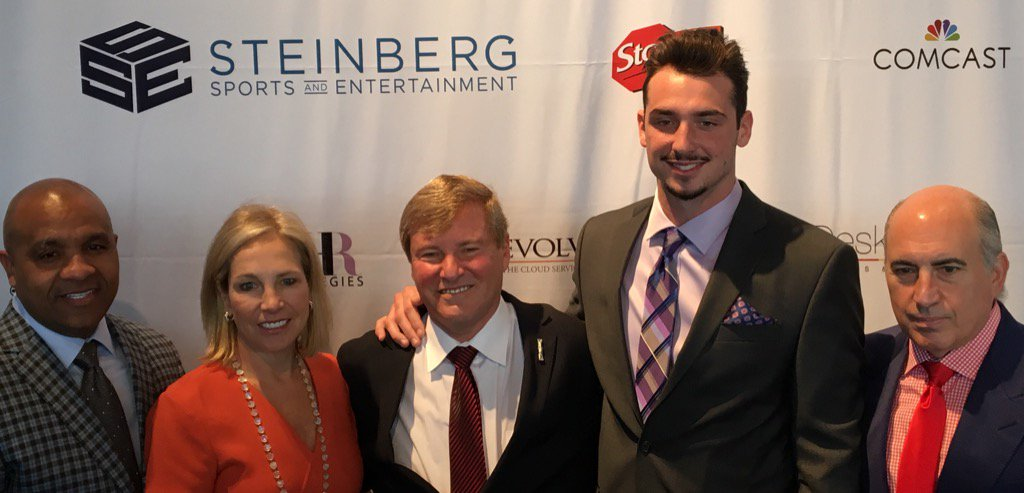 SB Party-- @Browns Owner Dee Haslam, HC Hue Jackson, @PaxtonLynch, & @CosmoDeNicola #Steinberg29SBParty https://t.co/60Br9eztie