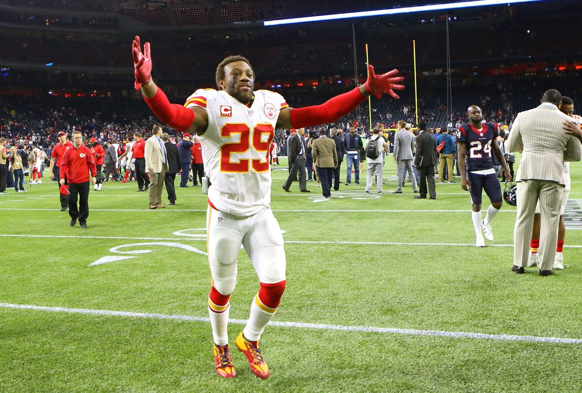 Eric Berry named NFL's Comeback Player of the Year after beating cancer: https://t.co/IkCCTrVv6n https://t.co/gj1vpVsRvs