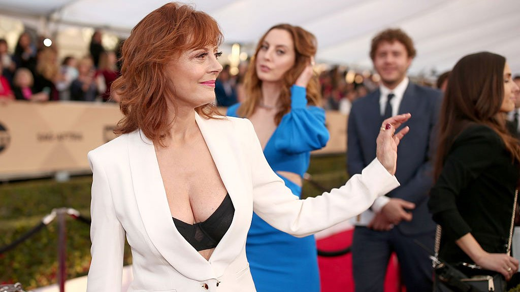 Twitter bares cleavage for Susan Sarandon