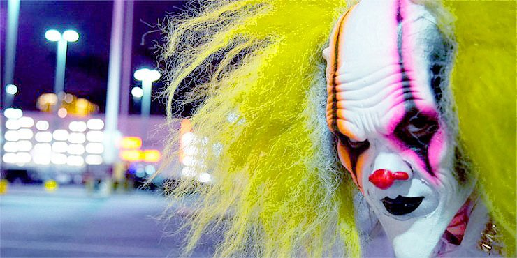Killer Clowns—These Insane, Seriously Disturbing Scare Pranks Are Complete Nightmare Fuel https://t.co/ssCMxXmss7 https://t.co/u1Q7R1L8Y8