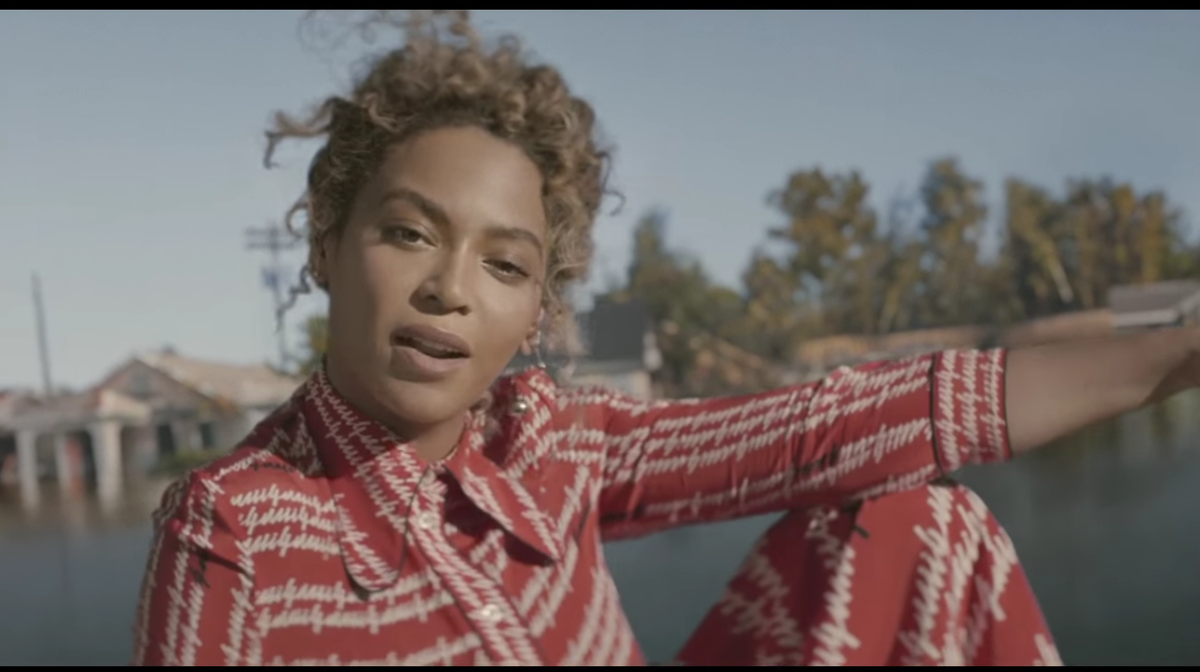 I'm so honored 2b on the new @Beyonce song Formation https://t.co/9IJ34kWwQD #ualreadyknow #cornbread #collardgreens https://t.co/7DdacvCRM7