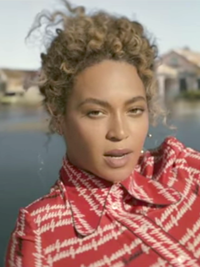 "Current mood: Playing @Beyoncé's new song ""Formation"" on repeat → https://t.co/ZXPQYxpXW6 https://t.co/8a6gdM8gVd"