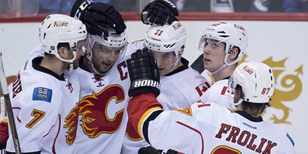 Flames renew rivalry with Canucks in huge Pacific Division win sports