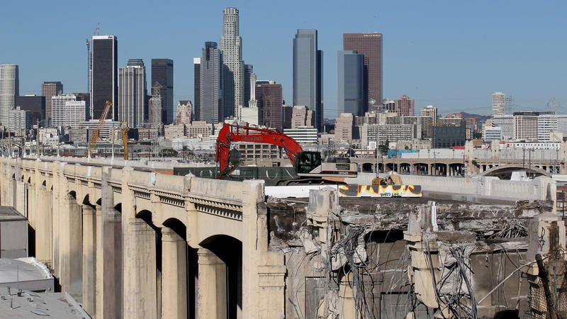Goodbye, 6th Street Bridge: Four jackhammers are chipping away at a Los Angeles icon