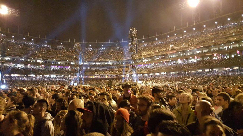 The crowd awaits thenightbefore metallica