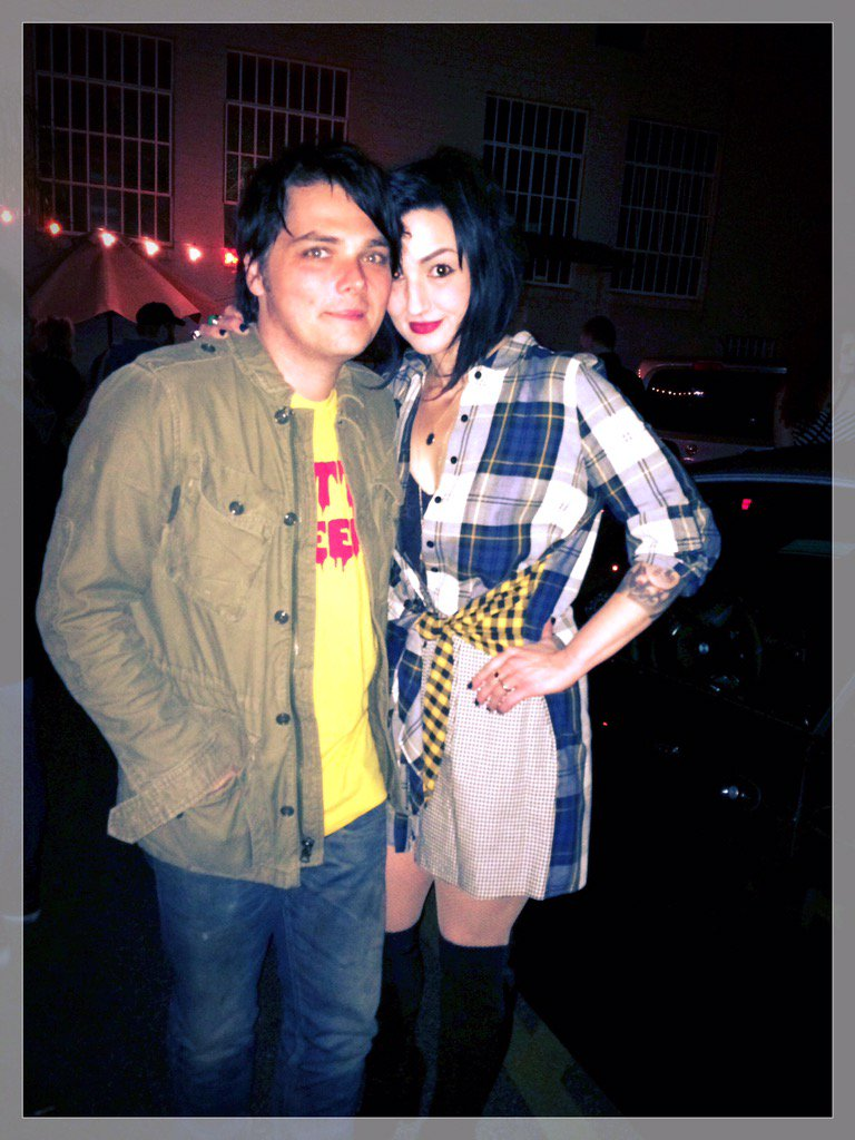 Me and my love @gerardway being Shitty https://t.co/KBGA4XaS6U