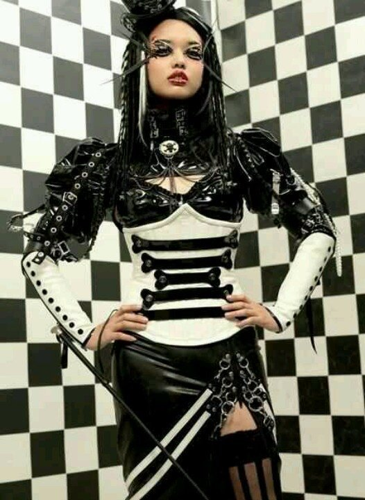 https://t.co/jG4oUTkhkN #gothic #Dark #Latex #fetishweekend #Fetish #FetishParty #kink #Domme