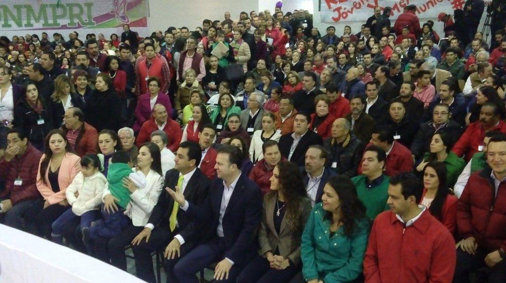 Convención de delegados del PRI avala candidatura a presidente municipal de #Durango de @manuelherrera1 https://t.co/6FI8ttZcMX