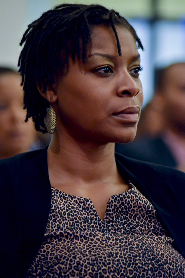 Remembering Sandra Bland on her birthday. She would have turned 29 today. #SayHerName https://t.co/xJXzGtF2wZ