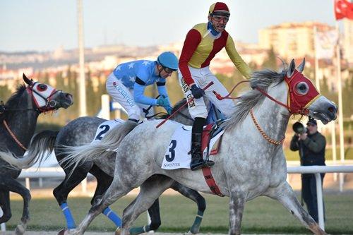 Derbişah , İzmir kumunda 6 da 6 yaptı